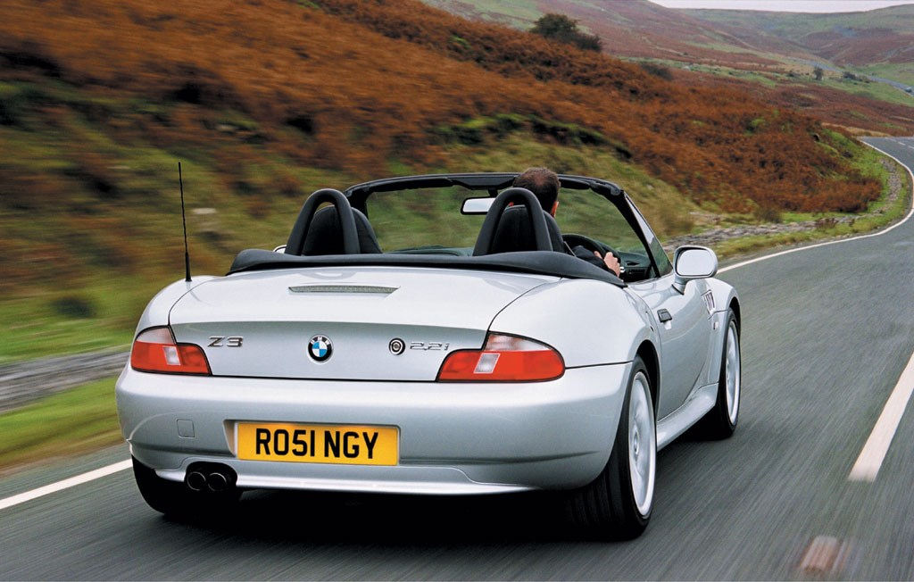 bmw z3 roadster 1996 2002 driving performance parkers. Black Bedroom Furniture Sets. Home Design Ideas