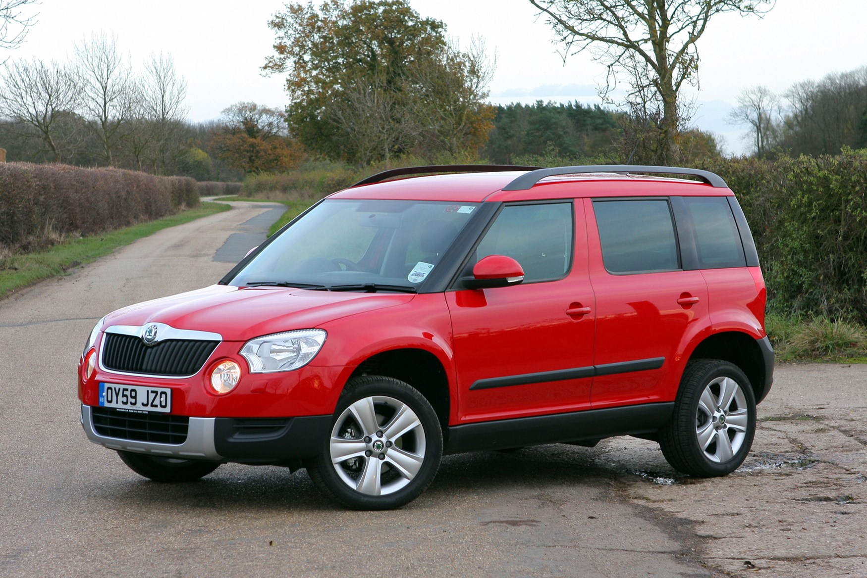 skoda yeti hatchback 2009 2017 photos parkers