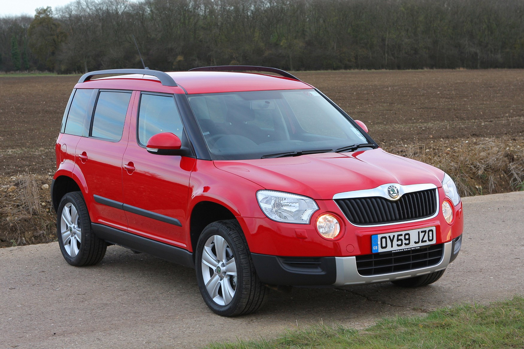 skoda yeti hatchback 2009 2017 photos parkers. Black Bedroom Furniture Sets. Home Design Ideas
