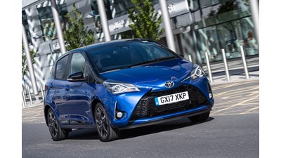 Toyota Yaris Hatchback Excel (Toyota Touch2 with Go and Leather seats) 1.5 VVT-i Hybrid auto 5d