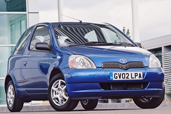 toyota yaris hatchback from 1999 used prices parkers. Black Bedroom Furniture Sets. Home Design Ideas