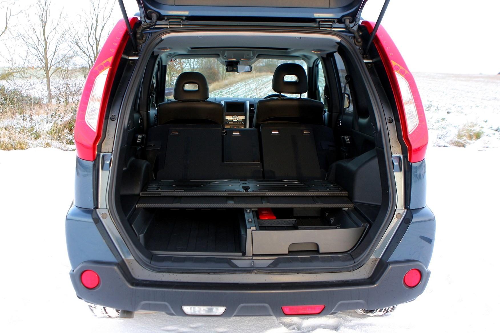 nissan x trail station wagon 2007 2014 photos parkers. Black Bedroom Furniture Sets. Home Design Ideas