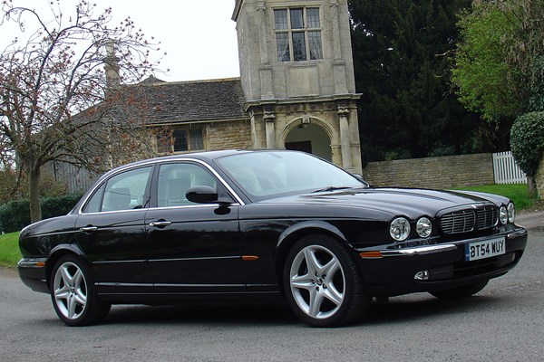 jaguar xj saloon from 2003 used prices parkers. Black Bedroom Furniture Sets. Home Design Ideas