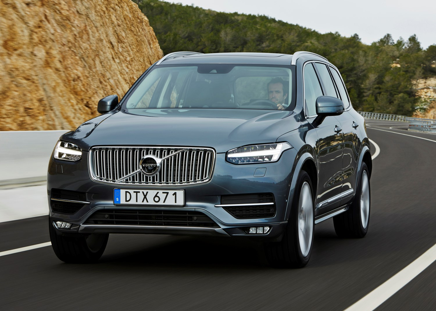 volvo xc90 estate 2015 driving performance parkers. Black Bedroom Furniture Sets. Home Design Ideas