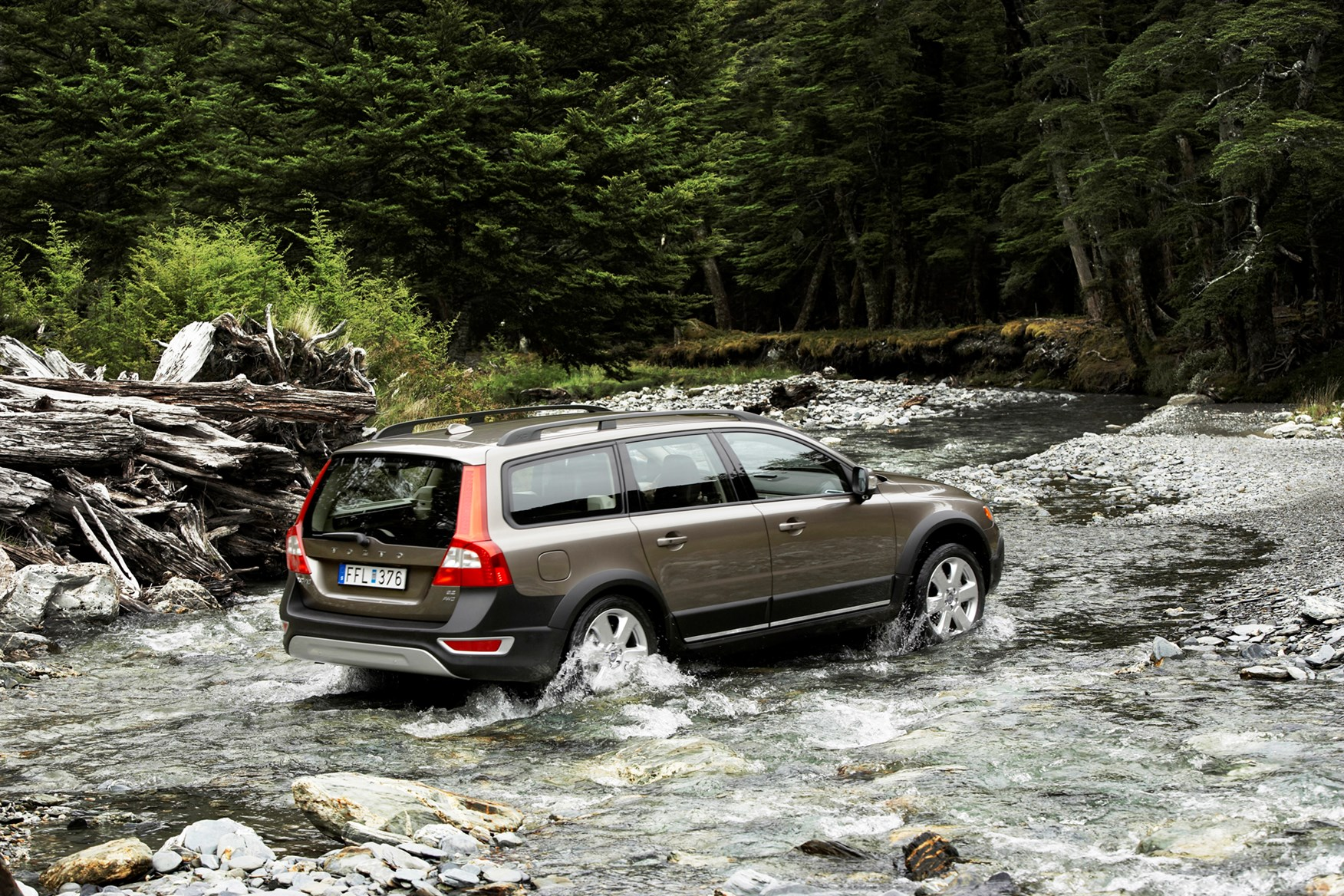 View all images of the volvo xc70 07 16
