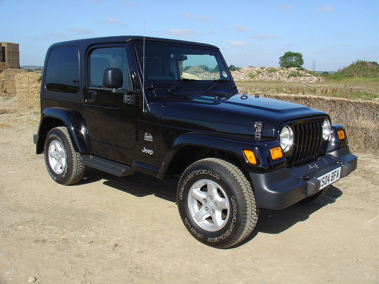 jeep wrangler hardtop 1993 2005 photos parkers. Cars Review. Best American Auto & Cars Review