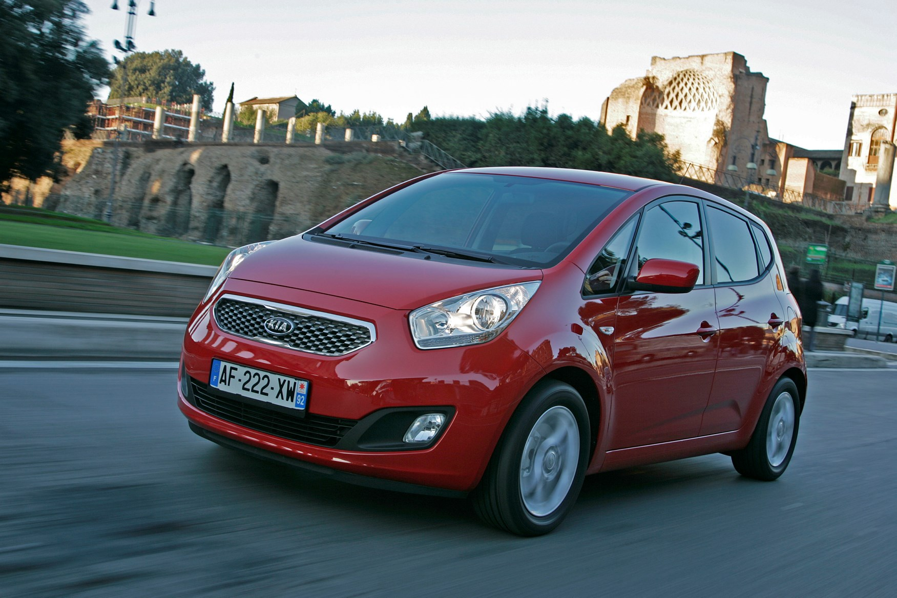 Kia Venga Estate (2010 - ) Photos | Parkers