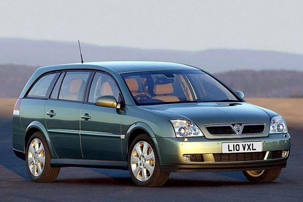 vauxhall vectra estate review 2003 2005 parkers. Black Bedroom Furniture Sets. Home Design Ideas
