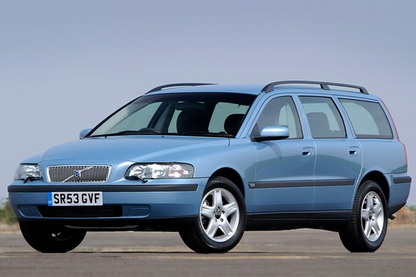 Volvo V70 Estate Review (2000 - 2007) | Parkers