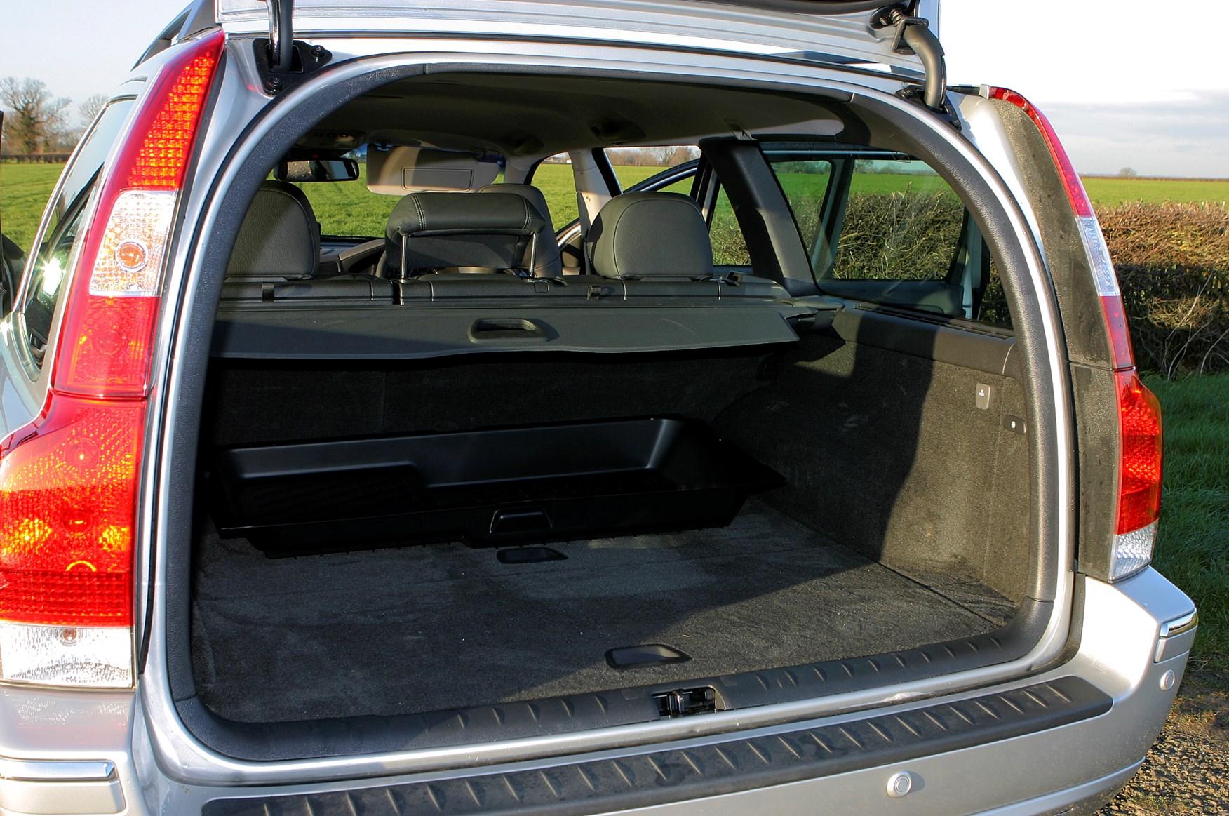 Volvo xc70 interior dimensions