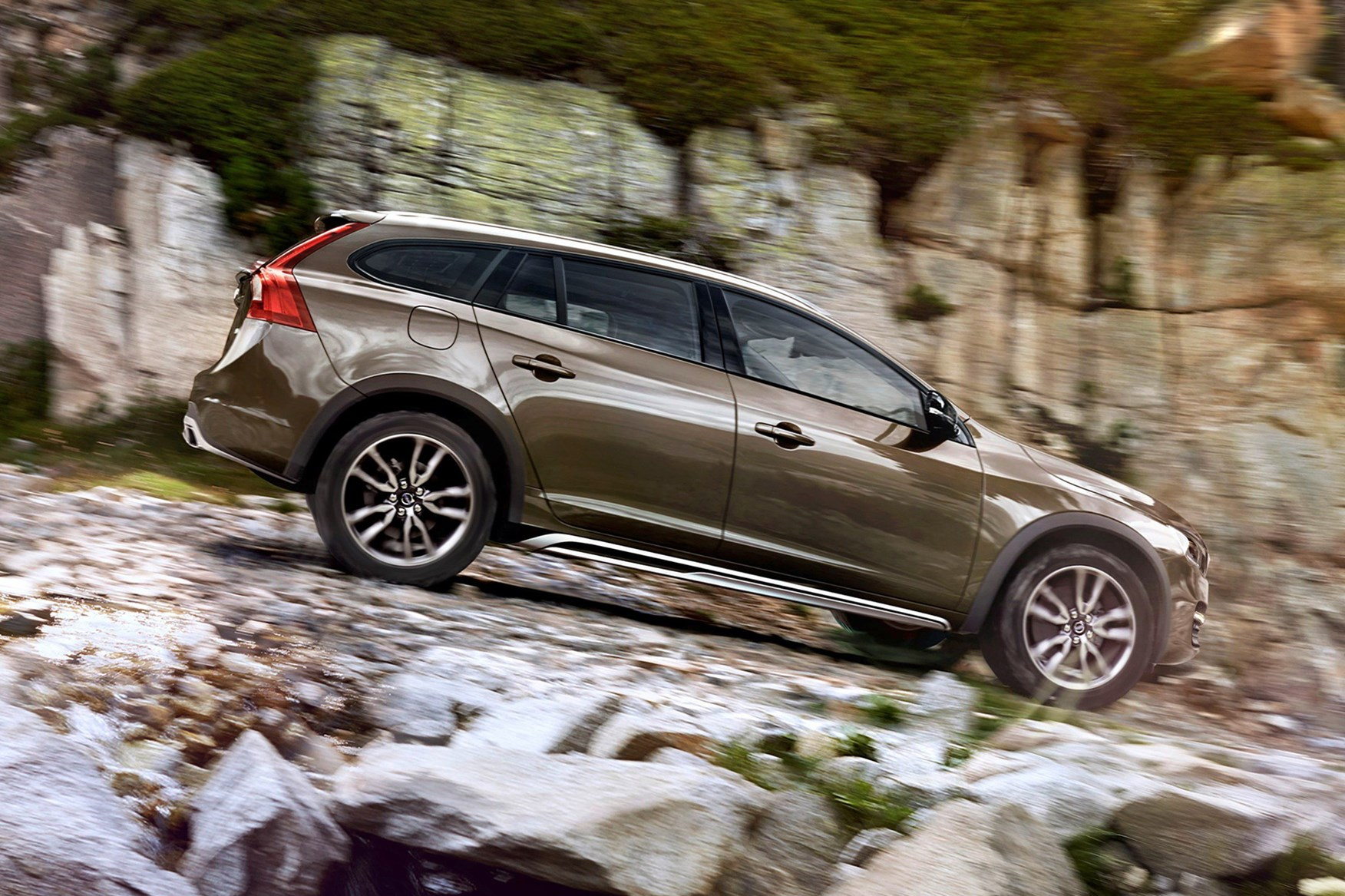 Volvo v60 cross country review 2015 parkers - View All Images Of The Volvo V60 Cross Country