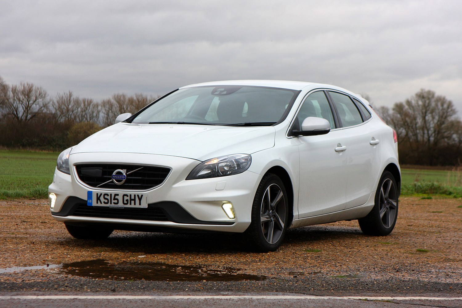 Volvo V40 Hatchback (2012 - ) Photos | Parkers