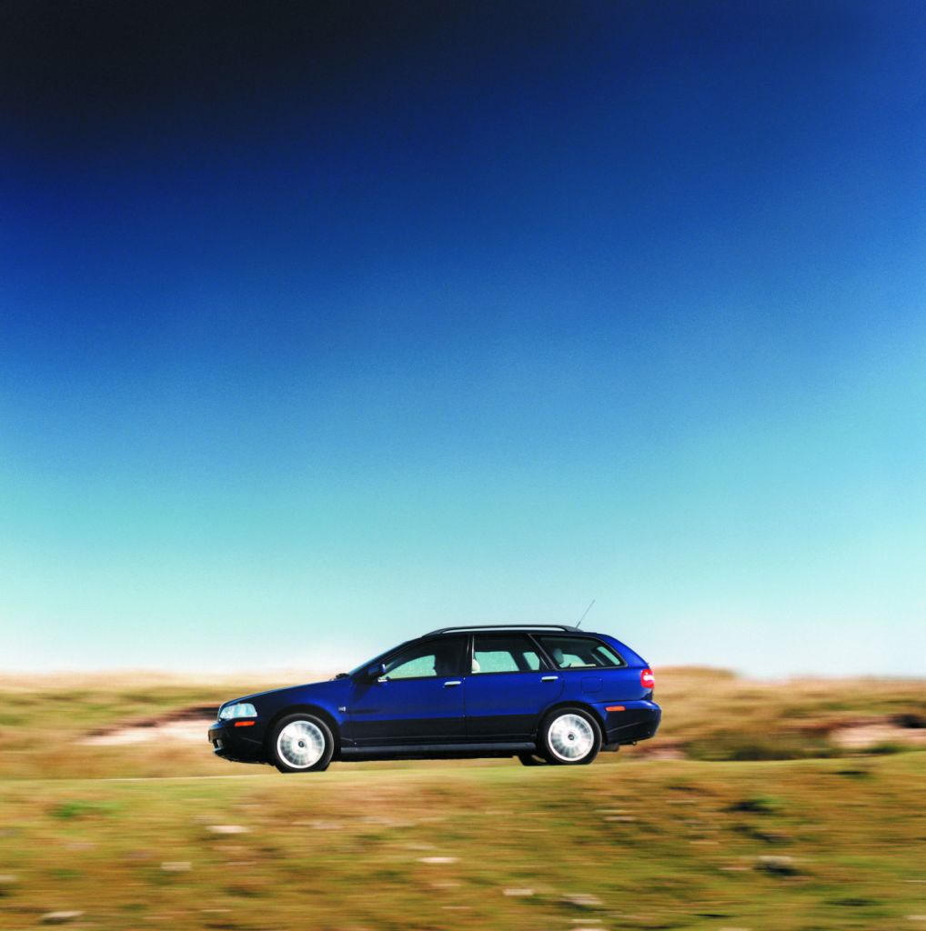 Volvo V40 Estate (1996 - 2004) Photos