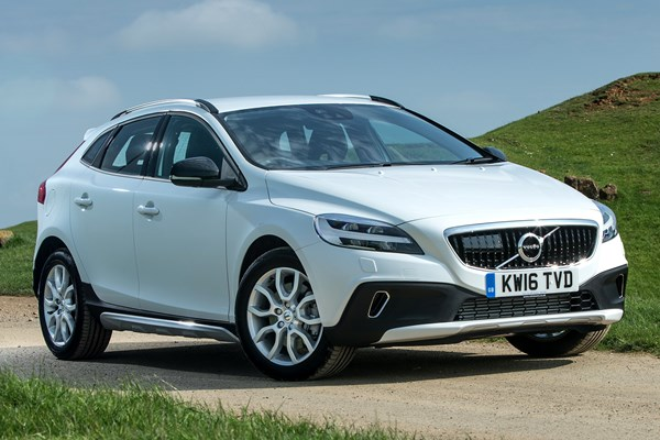 volvo v40 cross country review (2013 - ) | parkers