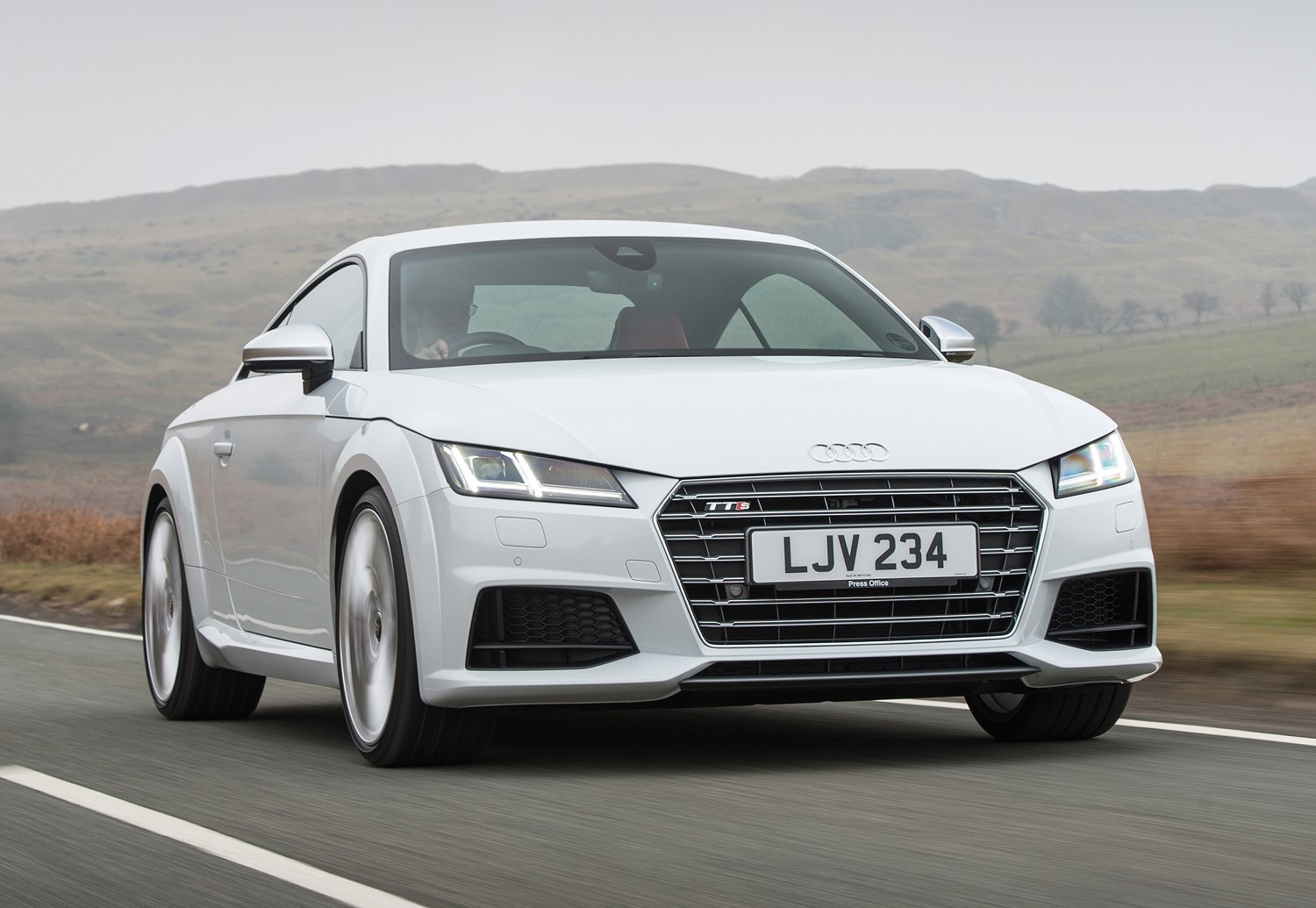 audi tt coup 2014 driving performance parkers. Black Bedroom Furniture Sets. Home Design Ideas