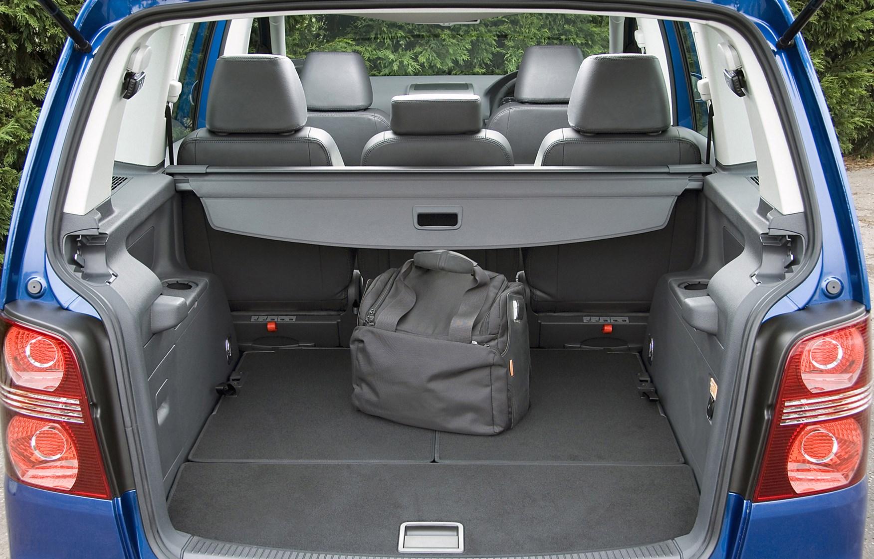 Volkswagen Touran Estate 2003 2010 Features Equipment