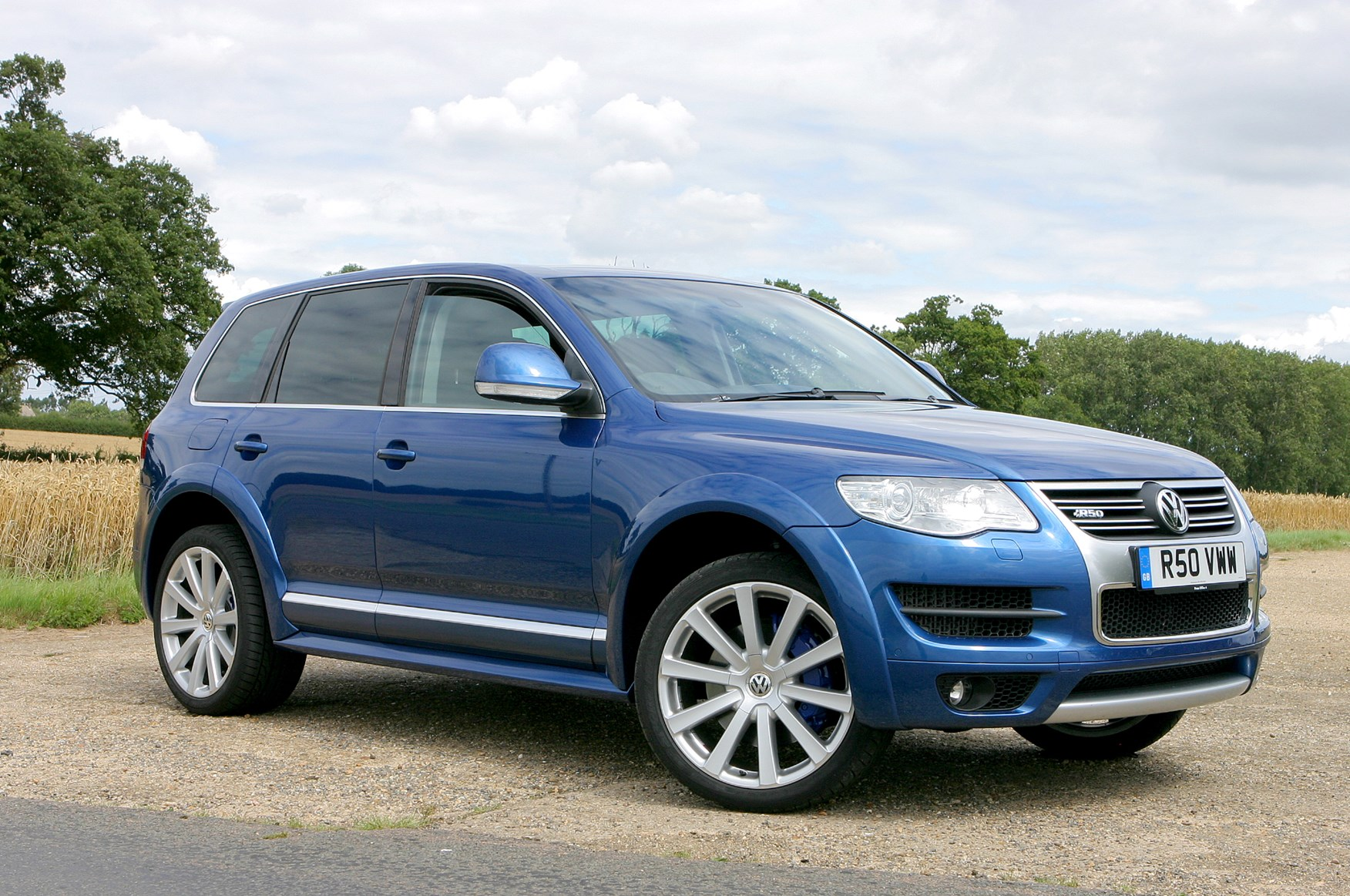 volkswagen touareg r50 2008 2009 photos parkers. Black Bedroom Furniture Sets. Home Design Ideas