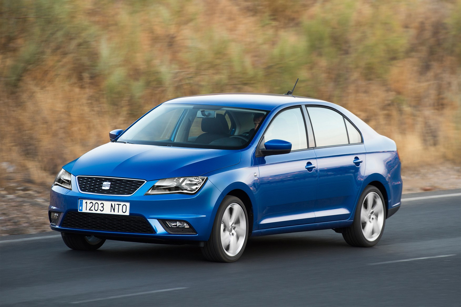 seat toledo hatchback review 2013 parkers. Black Bedroom Furniture Sets. Home Design Ideas