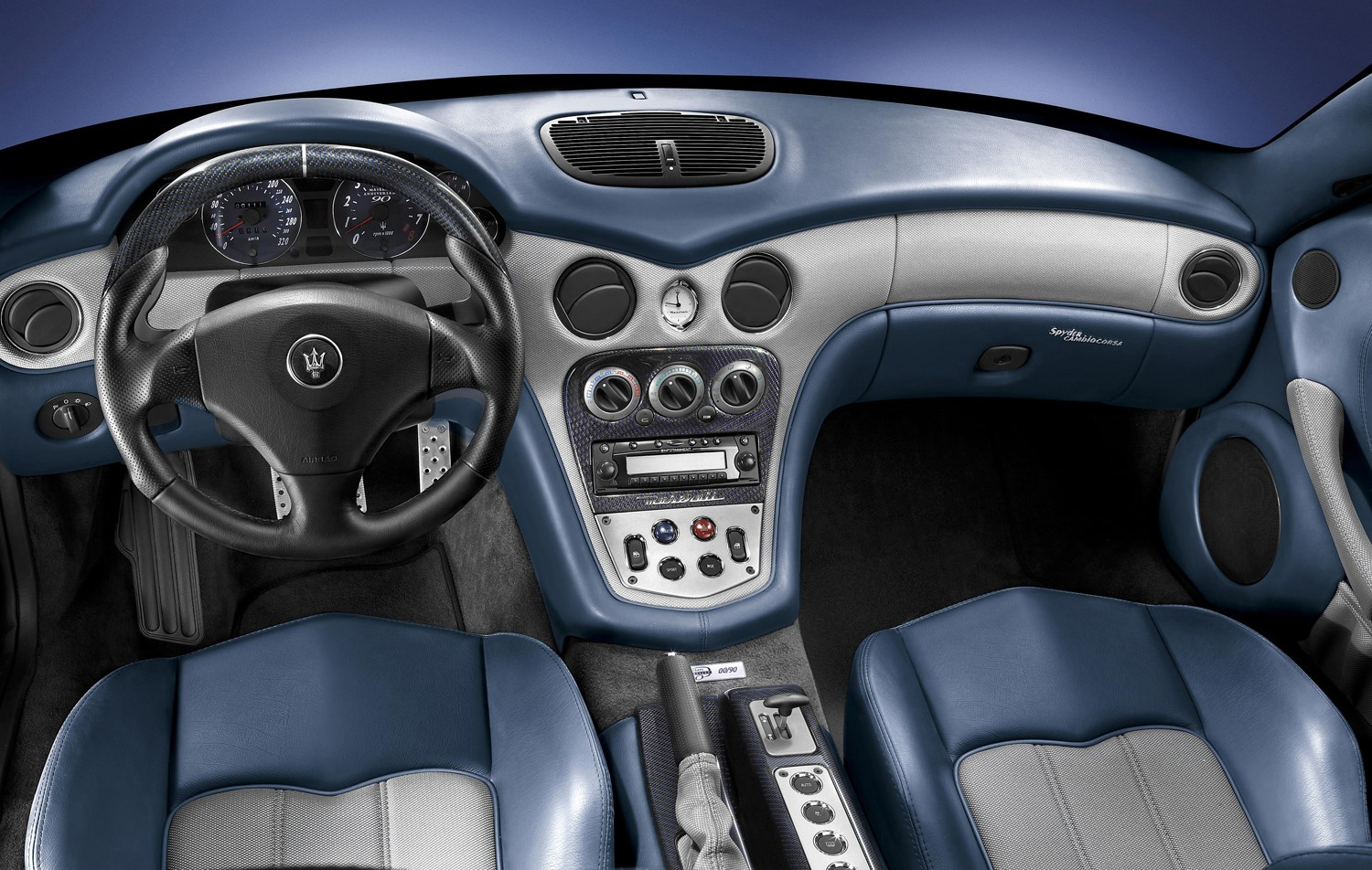 https://parkers-images.bauersecure.com/pagefiles/190974/main-interior/spyder90th_12.jpg