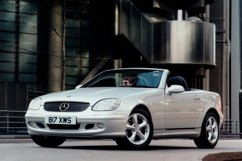 mercedes benz slk roadster 1996 2004 photos parkers. Black Bedroom Furniture Sets. Home Design Ideas