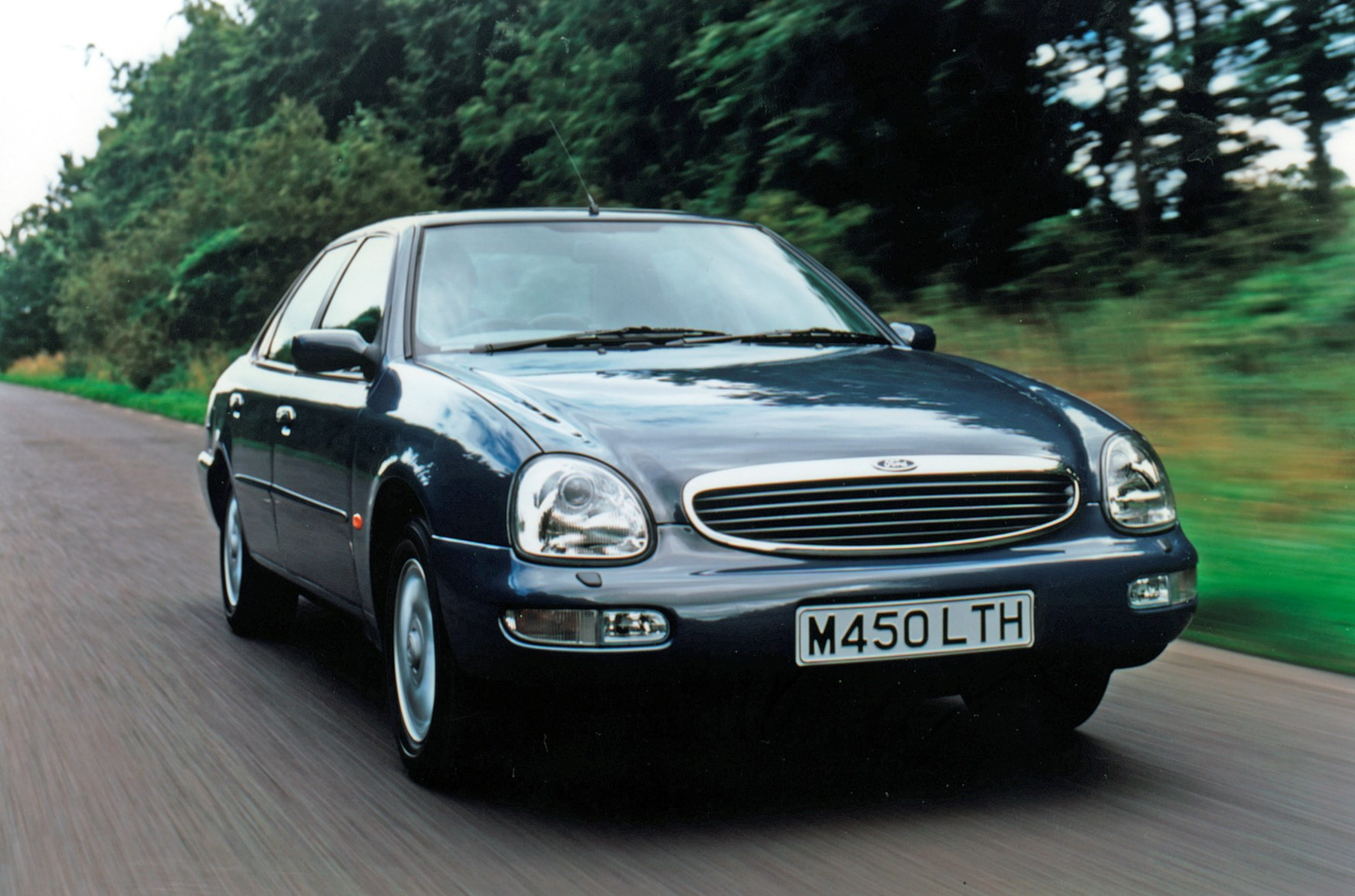 ford scorpio saloon 1995 1999 driving performance parkers. Black Bedroom Furniture Sets. Home Design Ideas