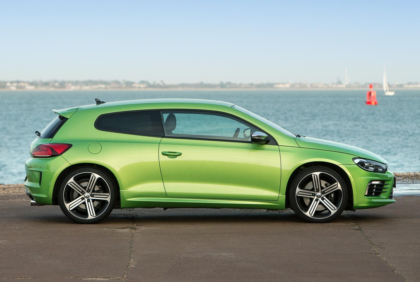 volkswagen scirocco r 2010 photos parkers. Black Bedroom Furniture Sets. Home Design Ideas