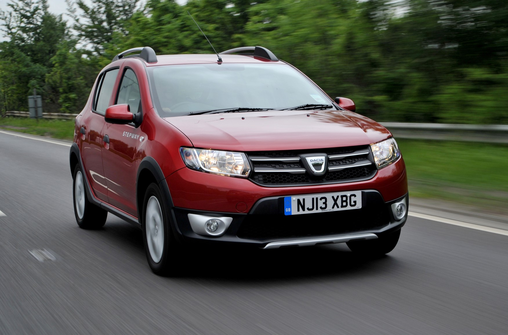 dacia sandero stepway 2013 driving performance parkers. Black Bedroom Furniture Sets. Home Design Ideas