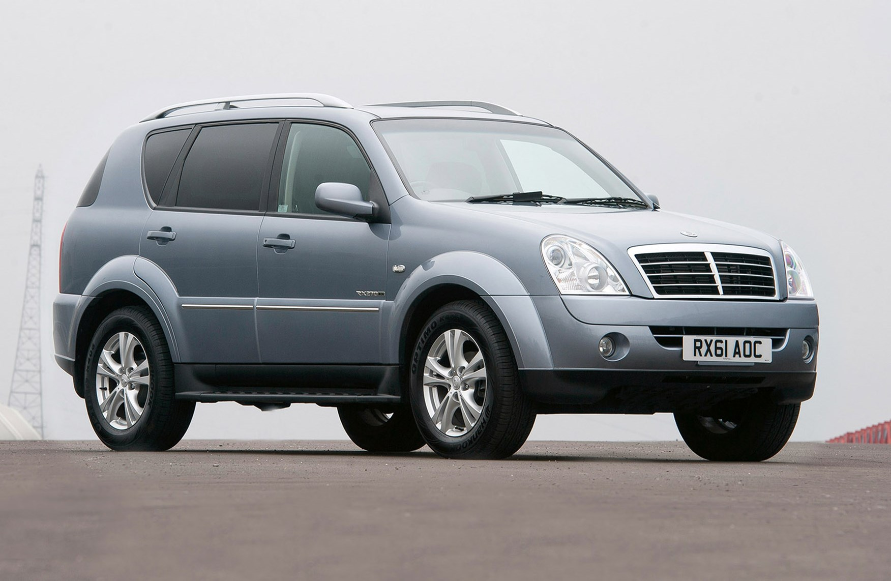 ssangyong rexton estate 2003 2013 photos parkers. Black Bedroom Furniture Sets. Home Design Ideas