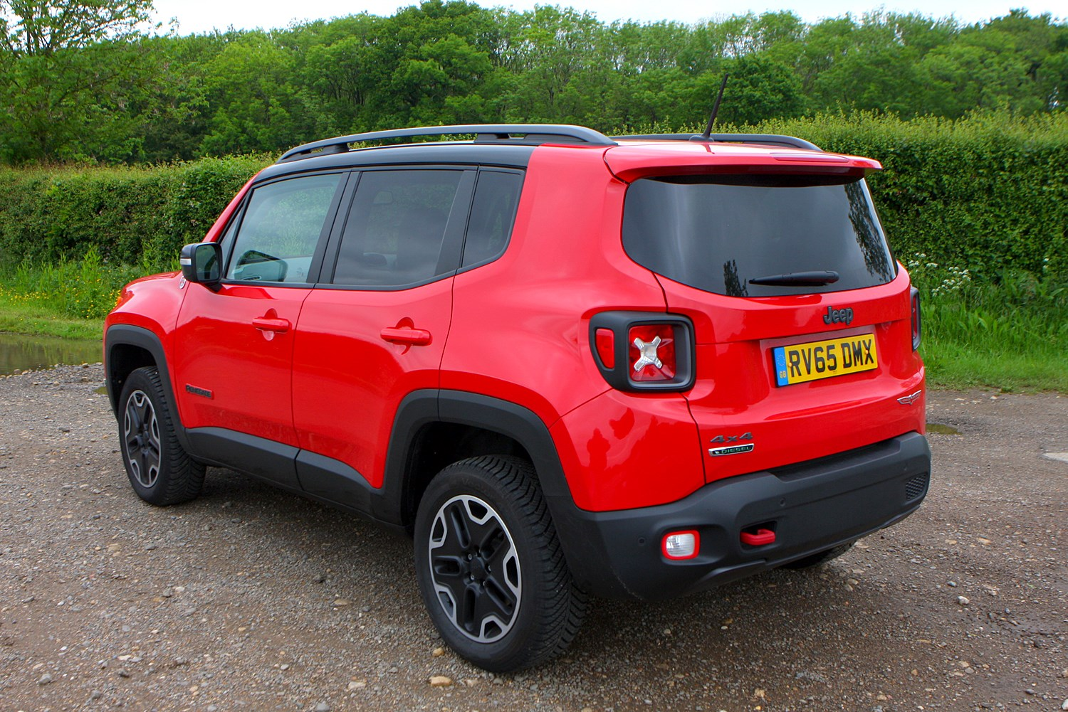 jeep renegade 4x4 2015 photos parkers. Black Bedroom Furniture Sets. Home Design Ideas