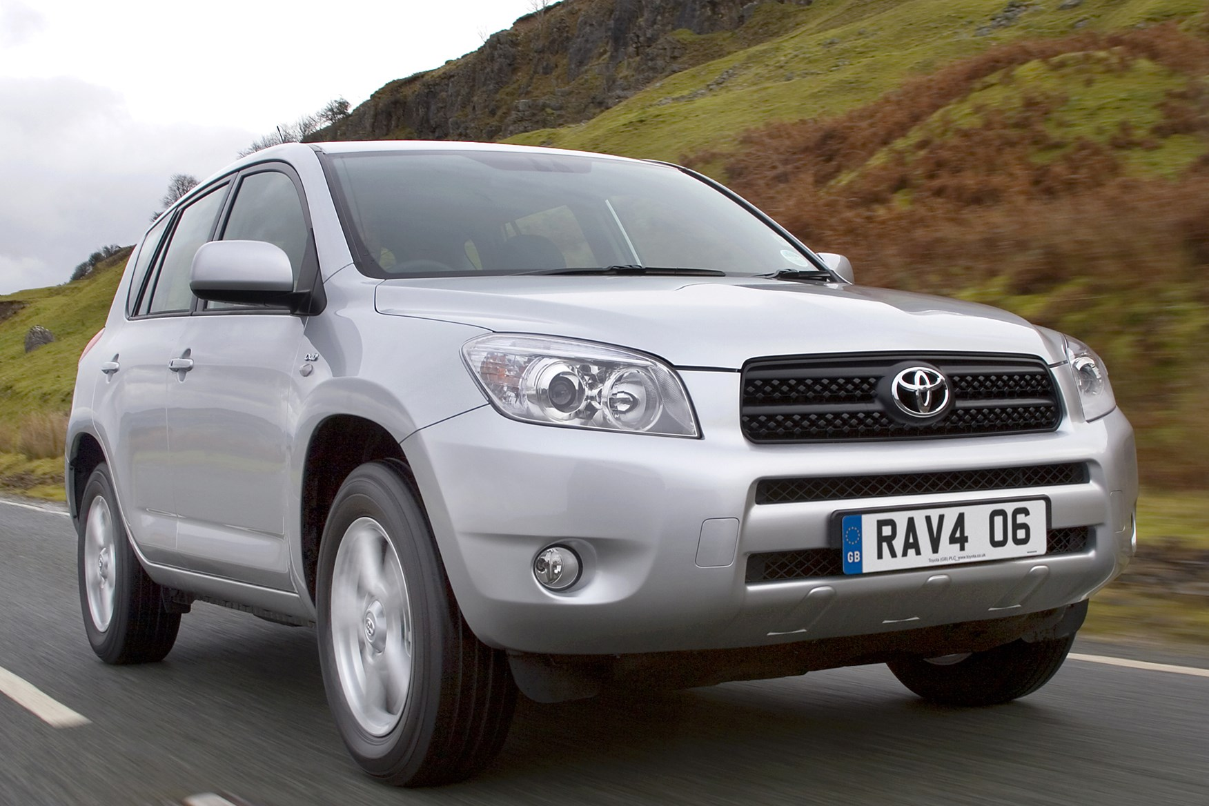 toyota rav4 estate 2006 2012 photos parkers. Black Bedroom Furniture Sets. Home Design Ideas
