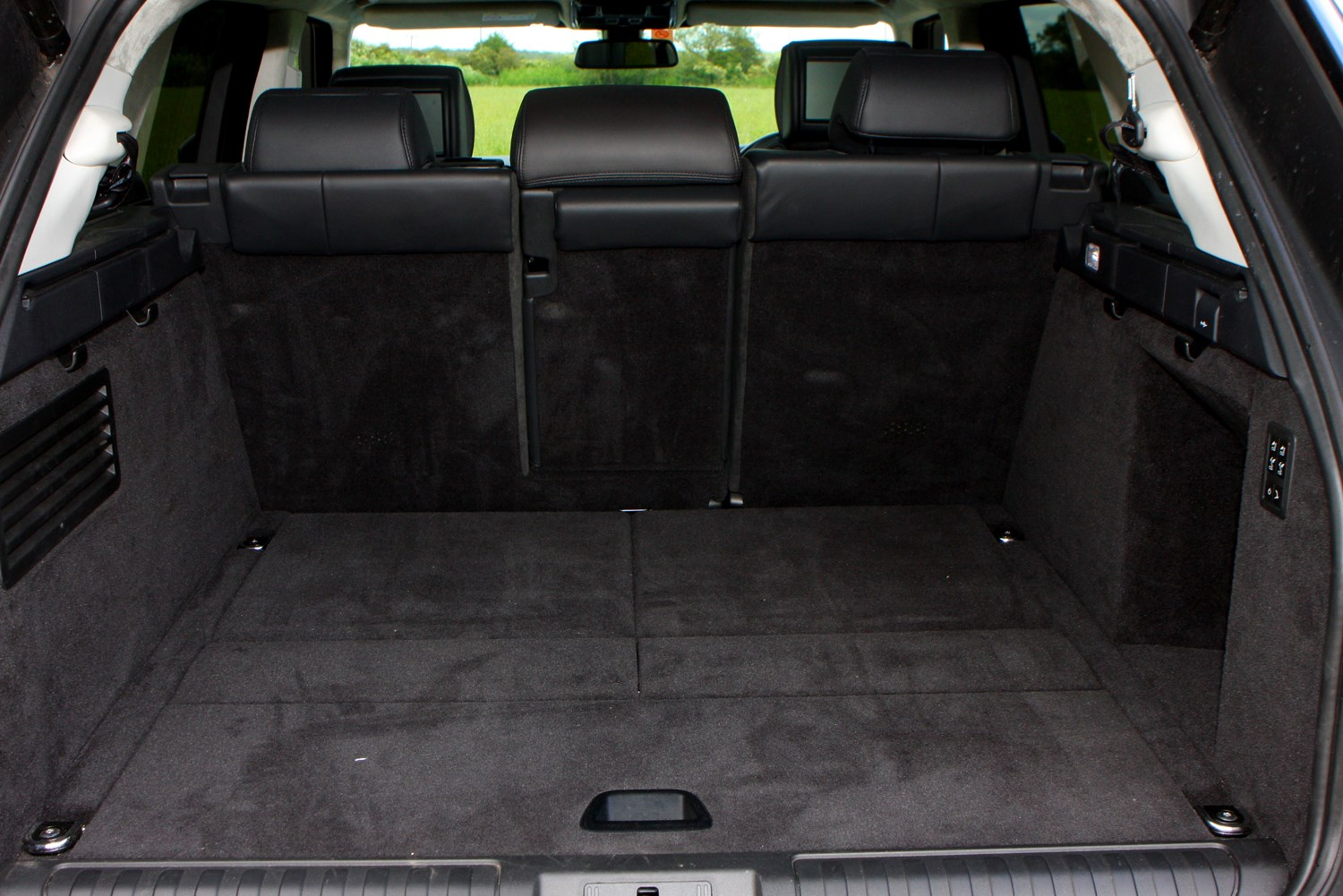 land rover range rover sport 4x4 2013 features. Black Bedroom Furniture Sets. Home Design Ideas