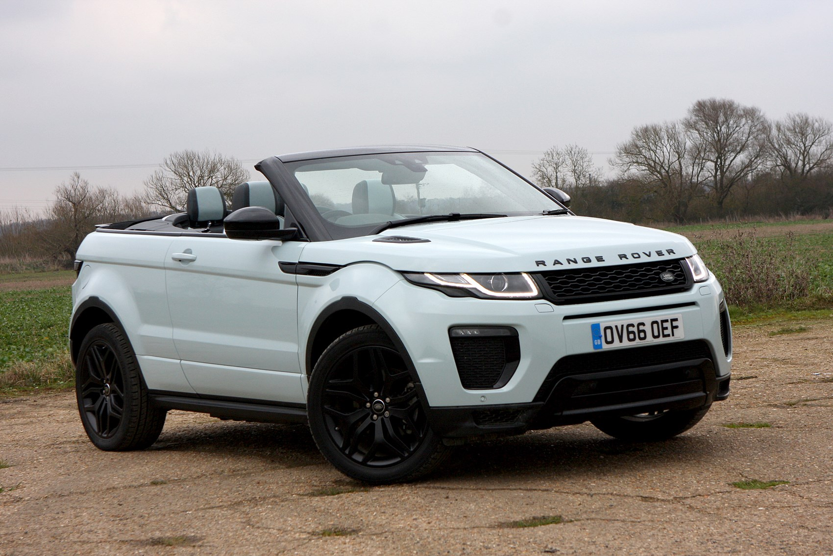 land rover range rover evoque convertible 2016 photos parkers. Black Bedroom Furniture Sets. Home Design Ideas