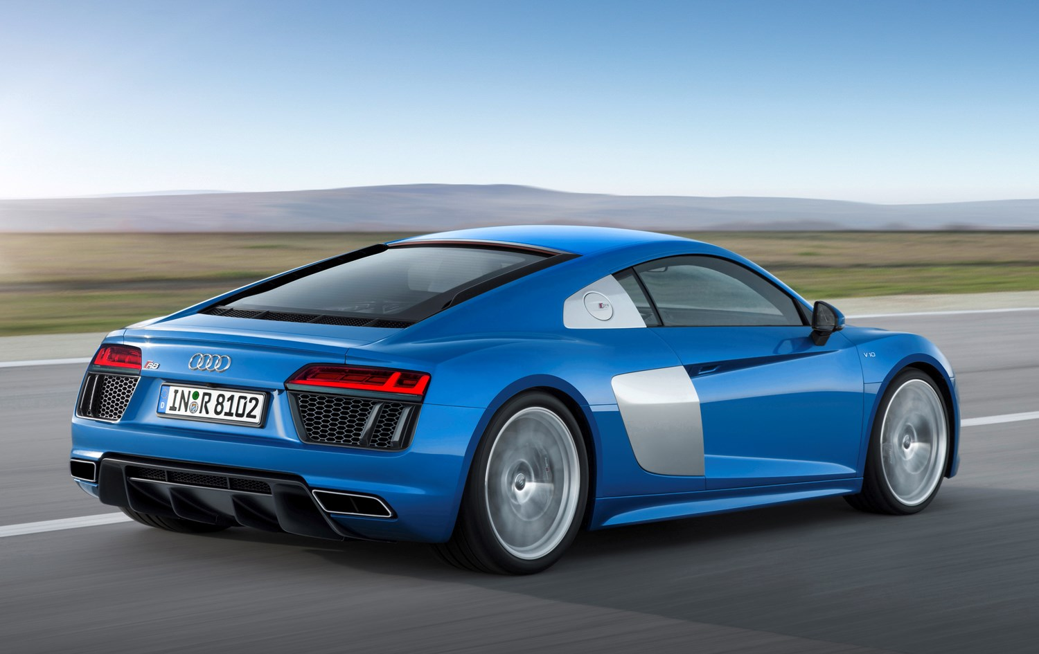 Audi R8 Coupe 2015 Driving Performance Parkers