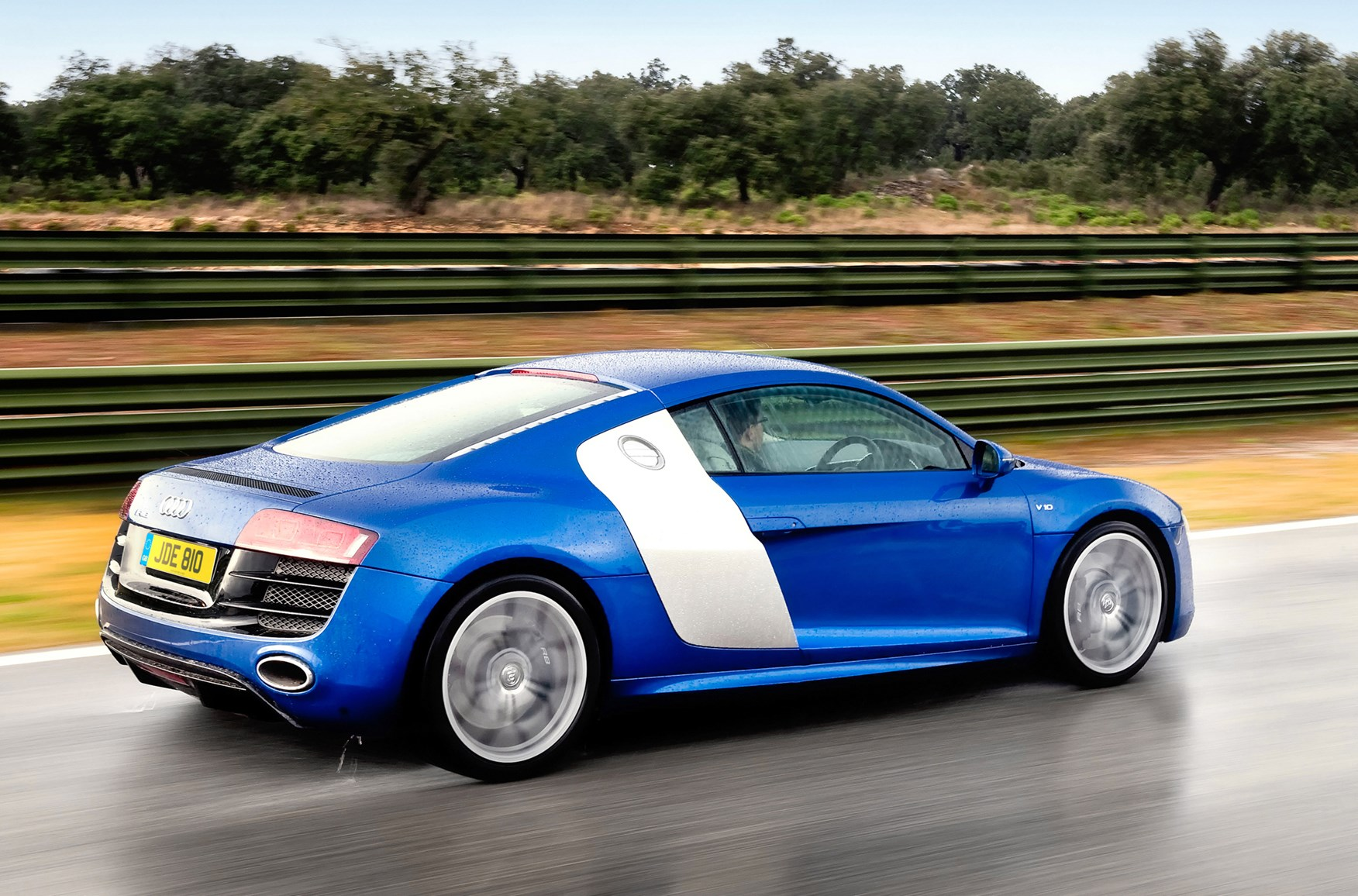 used 2014 audi r8 for sale pricing features edmunds autos post. Black Bedroom Furniture Sets. Home Design Ideas