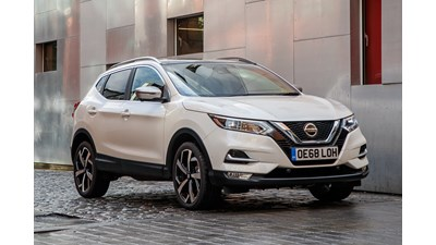 Nissan Qashqai Station Wagon N-Connecta (Glass Roof Pack & Executive Pack) 1.5 dCi 115 (07/2018 on) 5d