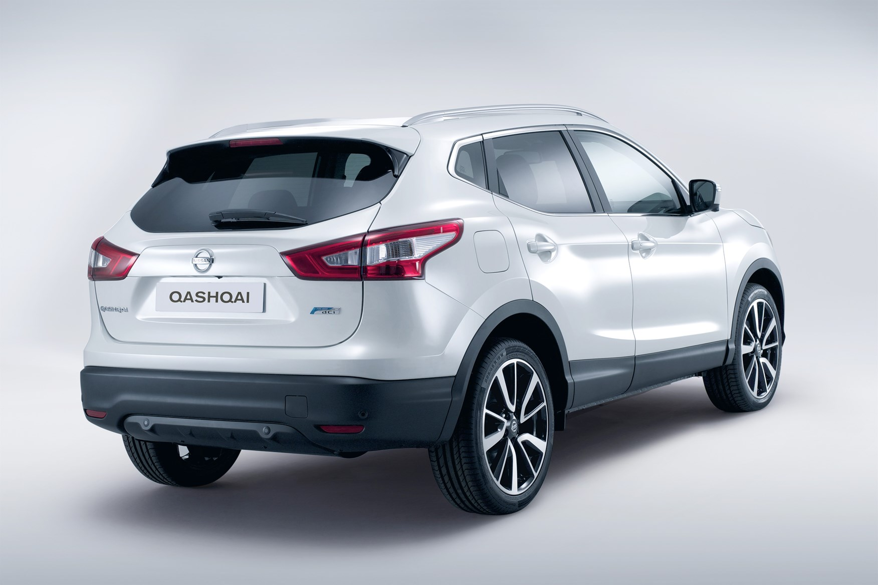 nissan qashqai station wagon review 2014 parkers. Black Bedroom Furniture Sets. Home Design Ideas