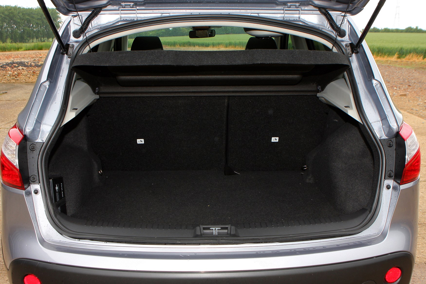 Nissan Qashqai Station Wagon (2007 - 2013) Features, Equipment and ...