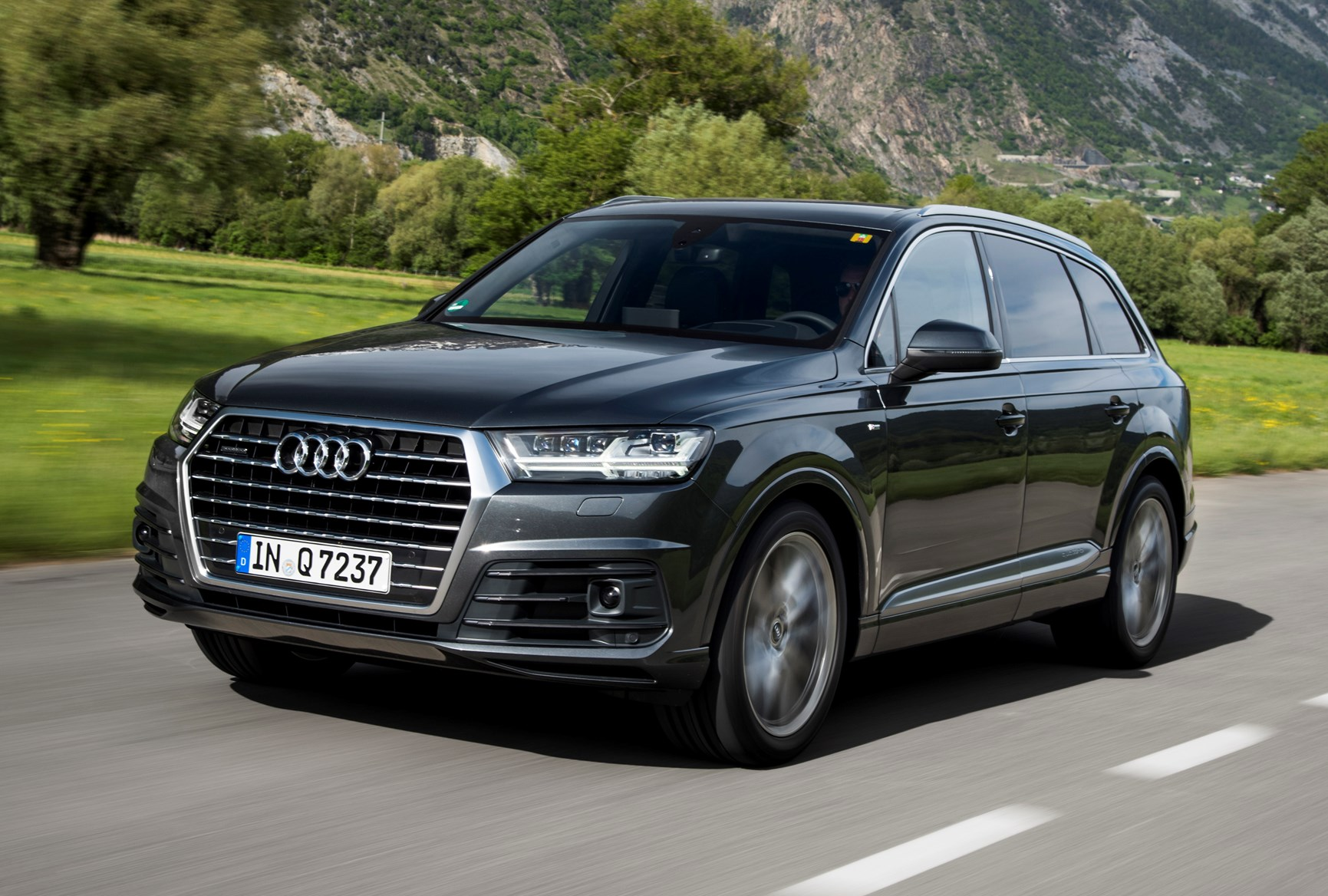 Audi Q7 Suv 2015 Photos Parkers