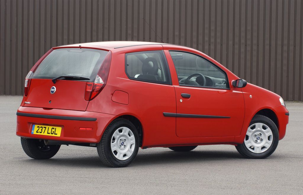 Fiat Punto Active Fuse Box : Fiat punto hatchback review  parkers