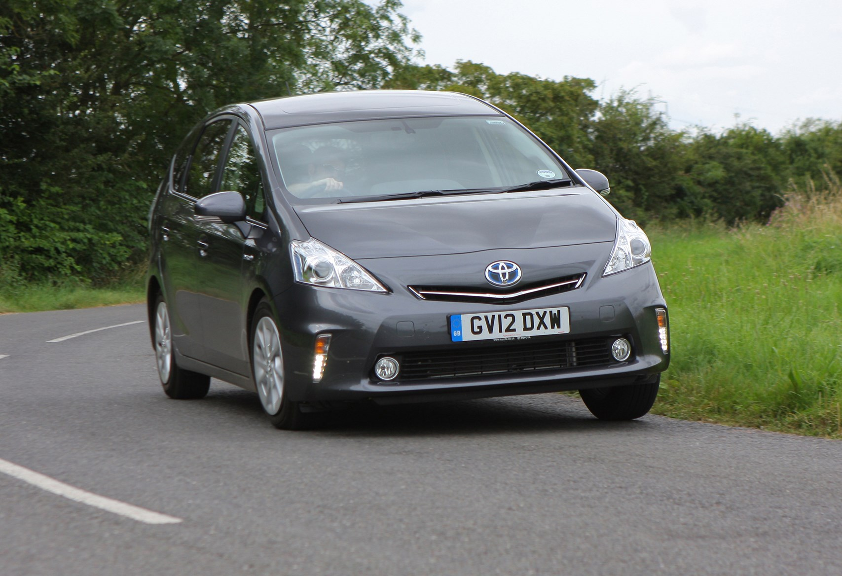 toyota prius plus 2012 driving performance parkers. Black Bedroom Furniture Sets. Home Design Ideas