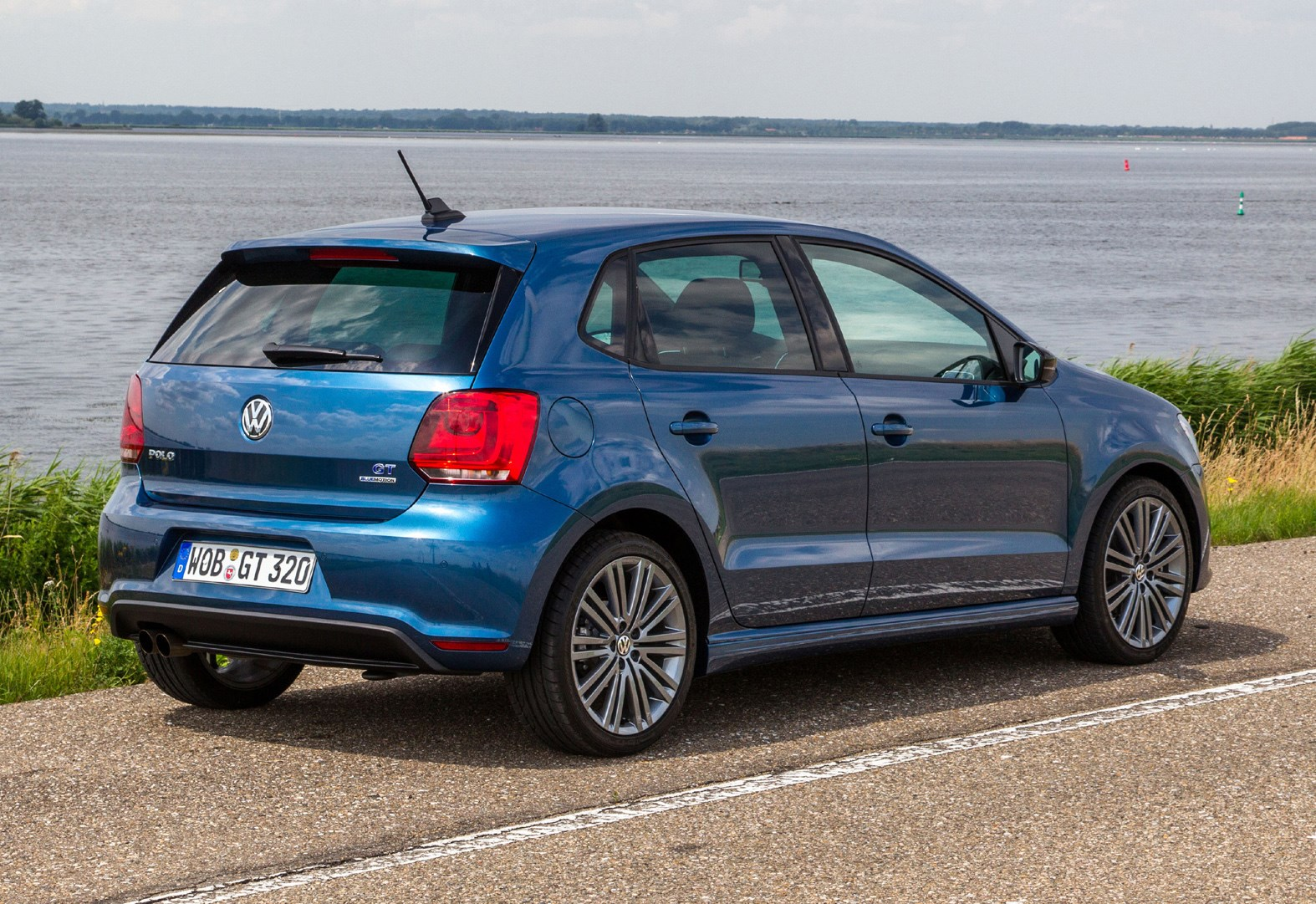 volkswagen polo hatchback review parkers. Black Bedroom Furniture Sets. Home Design Ideas