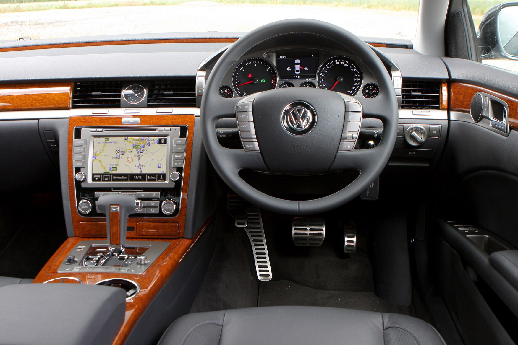 vw phaeton 2015 autos weblog. Black Bedroom Furniture Sets. Home Design Ideas