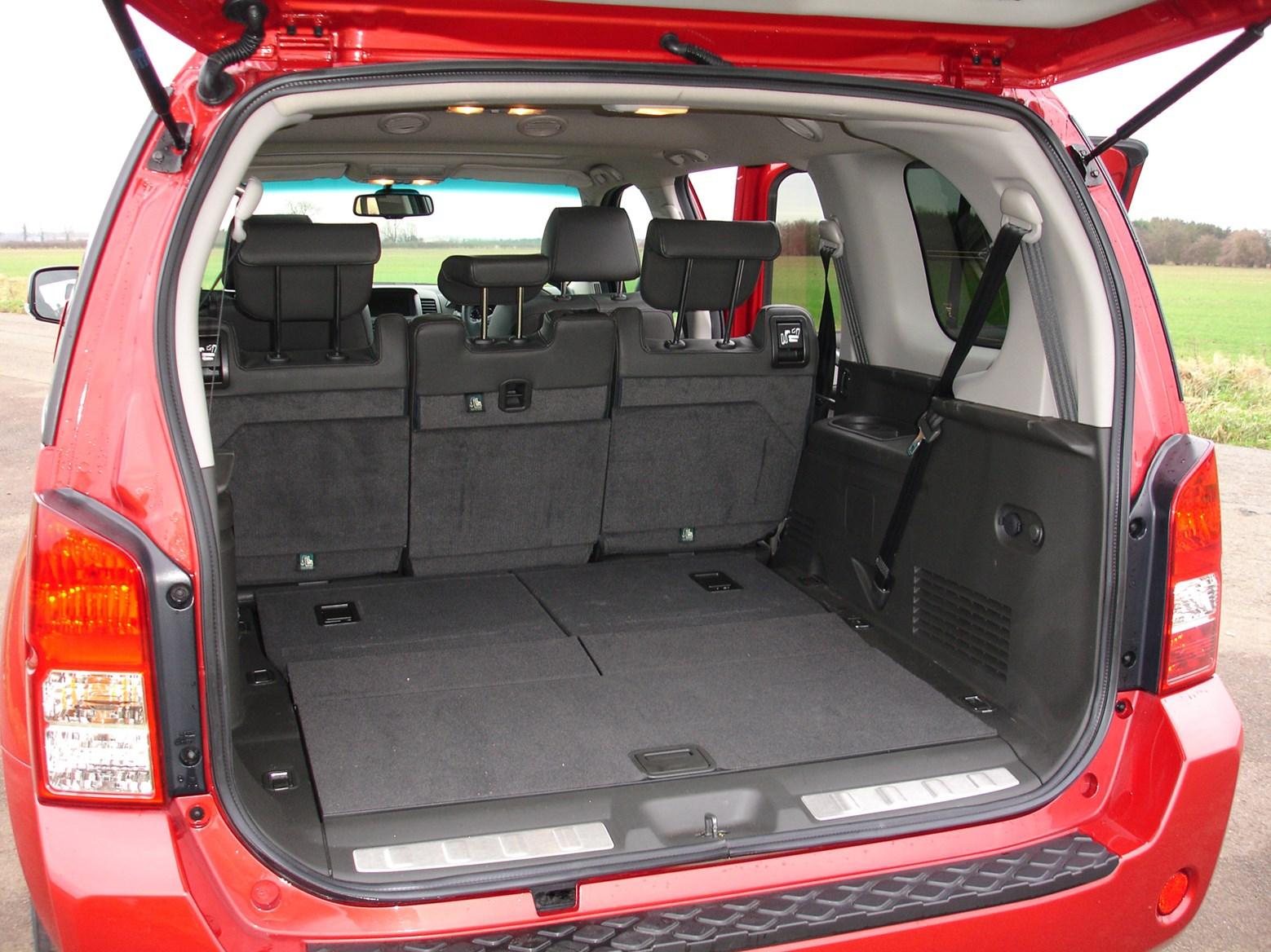 nissan pathfinder station wagon 2005 2014 photos parkers. Black Bedroom Furniture Sets. Home Design Ideas