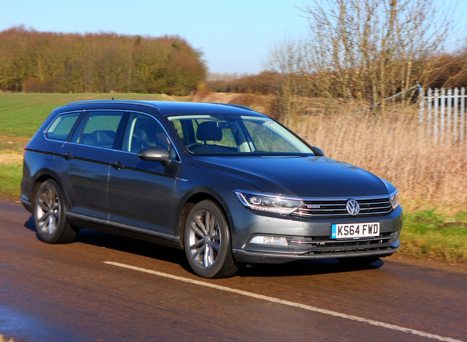 Volkswagen Passat Estate 2015 Photos Parkers