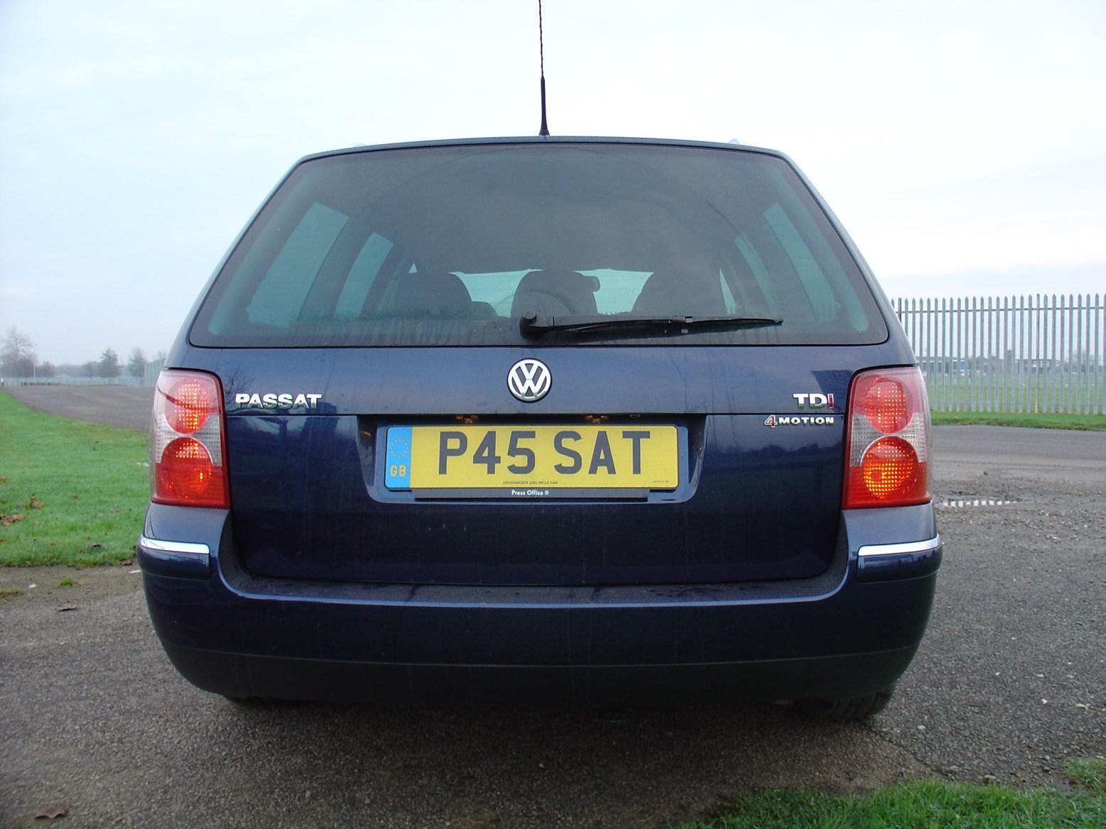 Volkswagen Passat Estate 2000 2005 Photos Parkers