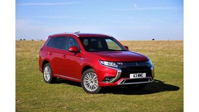 Mitsubishi Outlander Estate PHEV Exceed Safety auto 5d