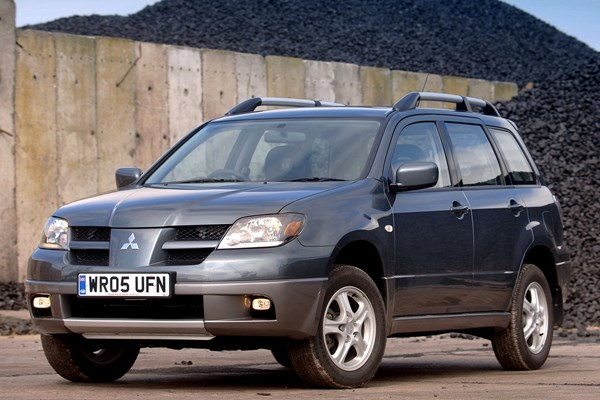 mitsubishi outlander estate from 2004 used prices parkers. Black Bedroom Furniture Sets. Home Design Ideas