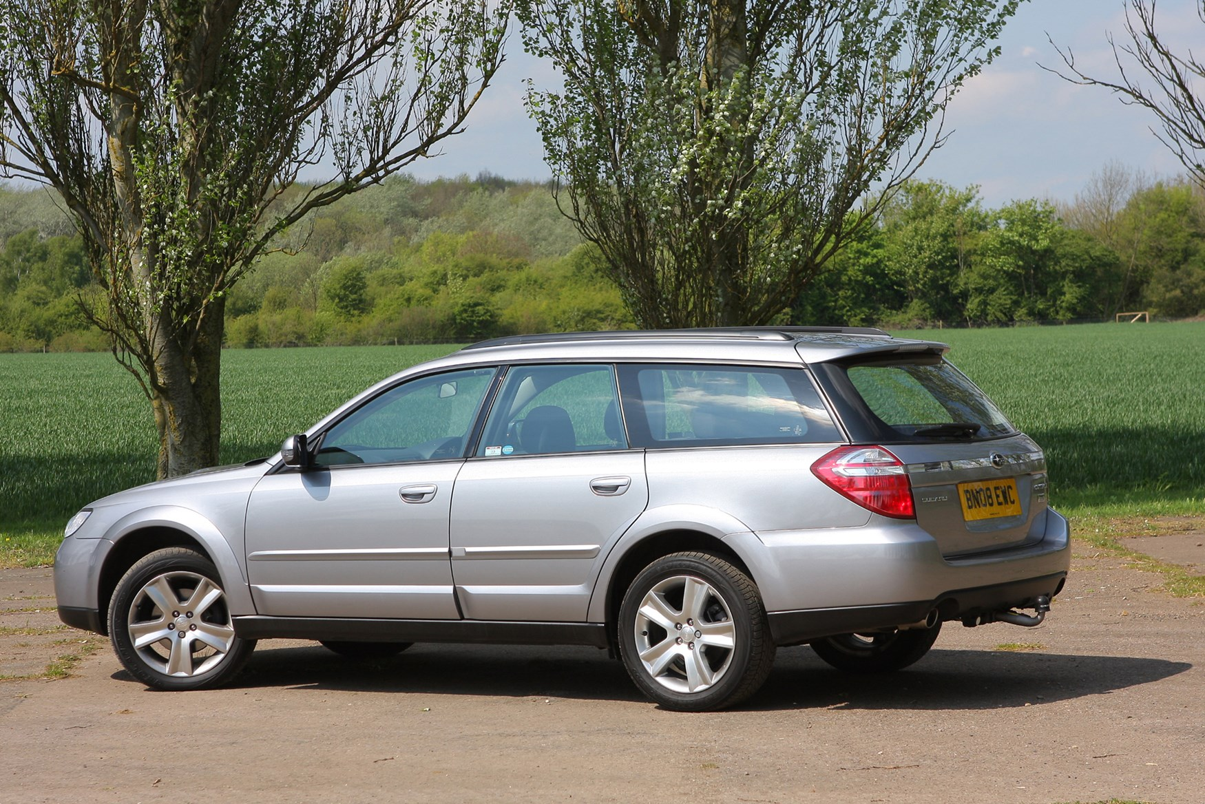Subaru Outback Reviews Parkers