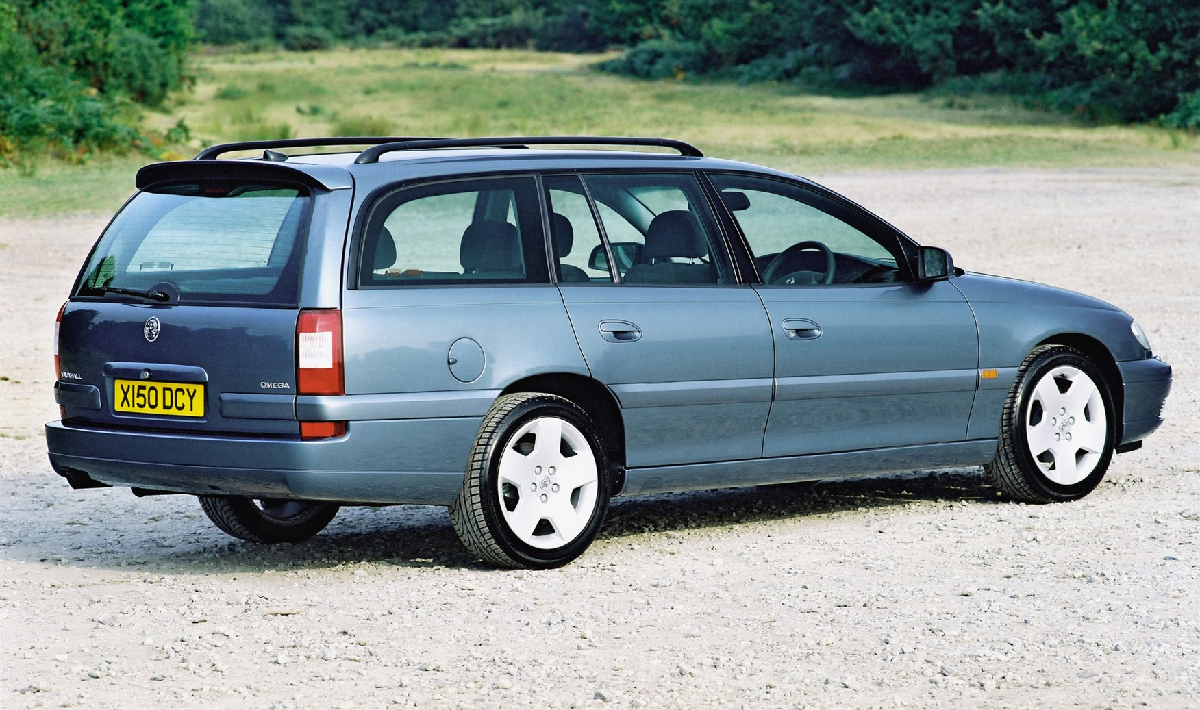 Vauxhall vauxhall vxr8 estate : Vauxhall Omega Estate (1994 - 2003) Photos | Parkers