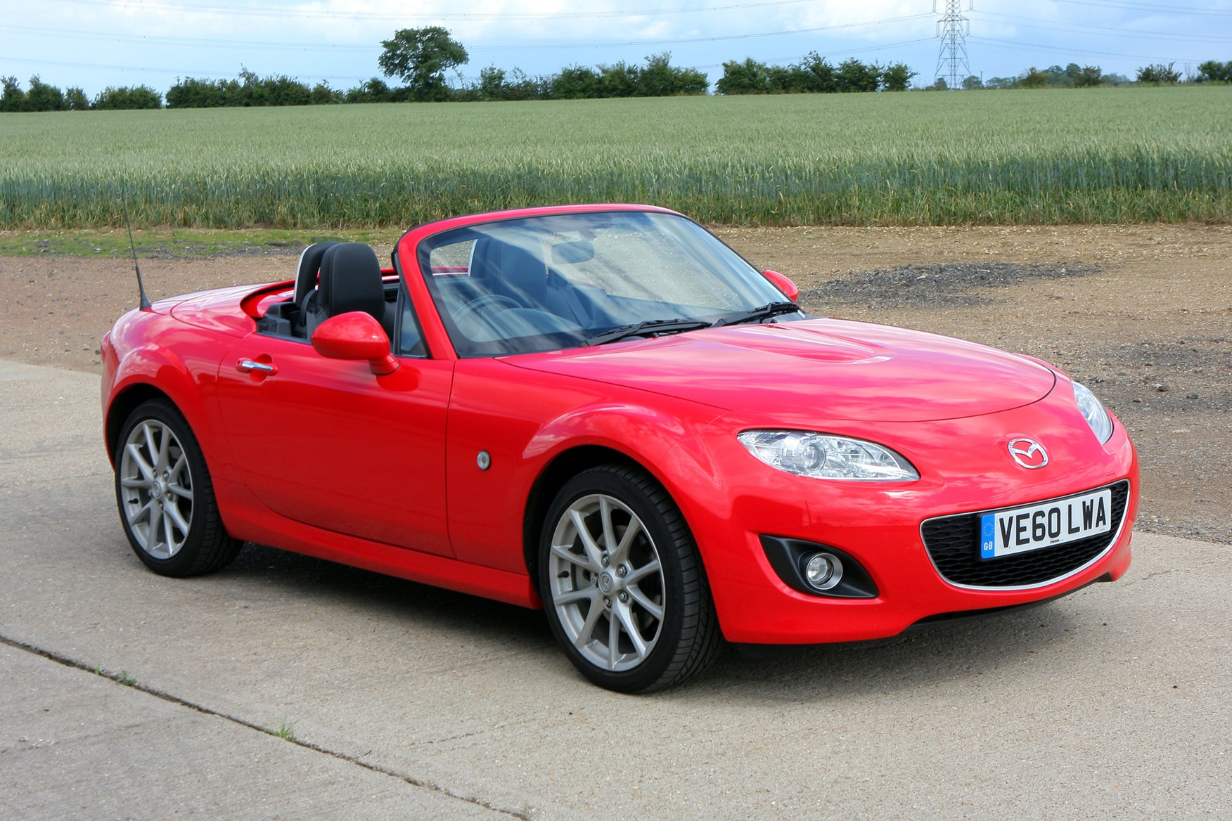 mazda mx 5 convertible 2005 2015 photos parkers. Black Bedroom Furniture Sets. Home Design Ideas